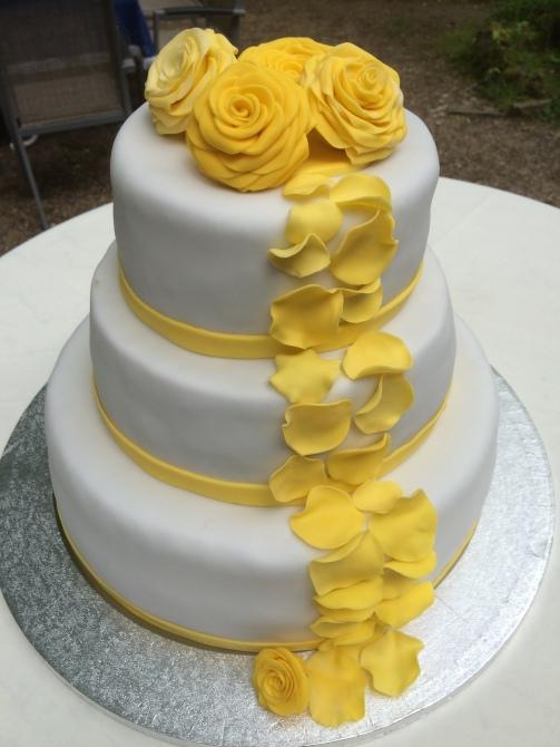 Hochzeitstorte Gelb