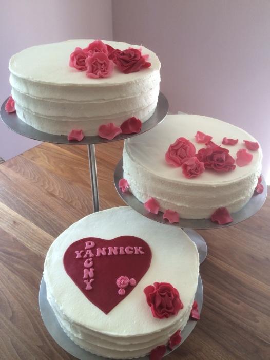 Hochzeitstorte rosa-rot