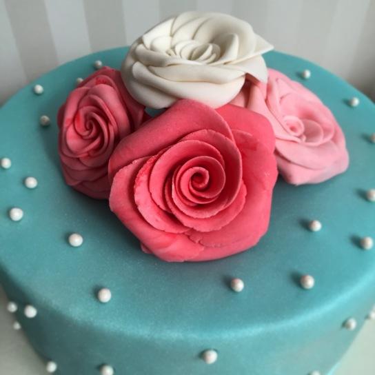 Torte in Türkis